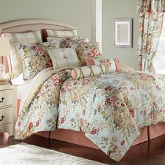 Rose Tree - Lorraine 4-Piece Comforter Set, Queen