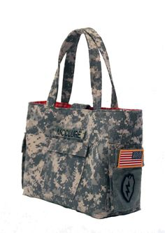 Handmade purses and totes by a military spouse   http://oodlesofsmiles.com |