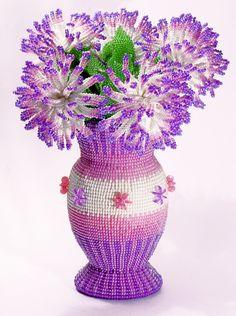 Хризантемы Бисер, ваза - в основе яйцо от киндер-сюрприза...