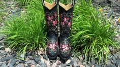Red Floral Embroidered Boots