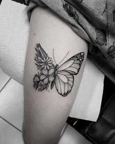 Learn more about tattoo styles and the work of Marquinho Soares - marquinhoandretattoo (Tattoo artist). Baby Tattoos, Mini Tattoos, Cute Tattoos, Unique Tattoos, Beautiful Tattoos, Body Art Tattoos, Small Tattoos, Tatoos, Tattoo Femeninos