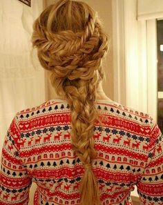 Holiday inspired braid by ffashionails that is perfect for that xmas or new years eve party.