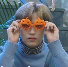 Hoseok, Daddy, Mark Nct, Kid Memes, Perfect Boy, Cute Icons, Meme Faces, Kpop Aesthetic, Taeyong