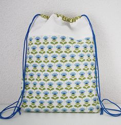 Simple Kids Drawstring Backpack - TUTORIAL - The Ribbon Retreat ...