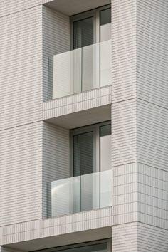 Projecten - Elementarchitecten Brick Architecture, Minimal Architecture, Residential Architecture, Interior Architecture, Brick Design, Facade Design, Exterior Design, Building Facade, Building Exterior