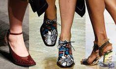 صيحة Embellished للأحذية النسائية لإطلالة شديدة الأناقة: أصبحت Embellished موضة صالحة للفترة الصباحية، وكنّا نراها من خلال أحذية المساء…