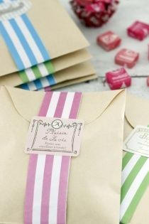 Craft envelopes that tend to be too much are transformed into cute ones! Cookie Packaging, Soap Packaging, Present Wrapping, Present Gift, Mail Gifts, World Crafts, Craft Business, Home Made Soap, Wraps