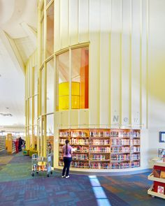 Stacks from the Bear Public Library, Delaware. Designed by Holzman Moss Bottino Architecture.