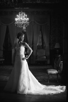 Chateau Bellevue Bridal Portraits : Lauren