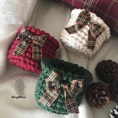 Crochet Backpack Pattern, Crochet Basket Pattern, Crochet Motif, Crochet Flowers, Knit Crochet, Crochet Patterns, Crochet Christmas Gifts, Christmas Bunting, Holiday Crochet
