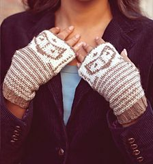Foxy Wristies by Theresa Shingler Published in Knit Now Issue 30