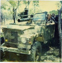 October Soviet officer Mischenko and Angolan soldiers travel to the front with a Land Rover captured from the enemy. Photograph taken somewhere in the vicinity of the Lomba River in Angola. Military Gear, Military Service, Military History, Military Vehicles, Moab Jeep, Super Images, Brothers In Arms, Defence Force, War Photography
