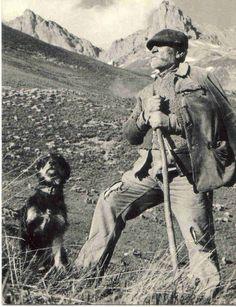Le berger Image importé de ce blog qui illustre quelques vieux métiers : http://encre-plume.over-blog.com/album-1584332.html