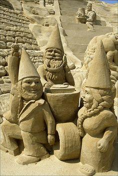 Gnomes Sand Art