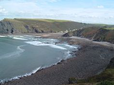 Crackington Haven, north Cornwall south of Bude. Taken from the coastal path, the South West Way, UK. Image by http://www.westdownhouse.com