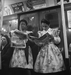 Stanley Kubrick Two Women on the Subway Train, New York City 1946 Candid Photography, Documentary Photography, Street Photography, Stanley Kubrick Photography, Journal Photo, People Reading, A Clockwork Orange, Vintage New York, 50s Vintage