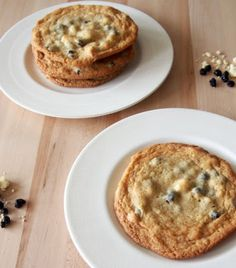 Momofuku Blueberries and Cream Cookies - a guest post from Pies and Plots: Vintage Kitchen Notes