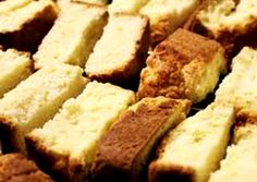 Soldaatbeskuit ~ Maak die koekblikke vol in 'n japtrap, lekker smul die . Bread Recipes, Baking Recipes, Dessert Recipes, Desserts, South African Recipes, Ethnic Recipes, Rusk Recipe, Food And Drink, Favorite Recipes