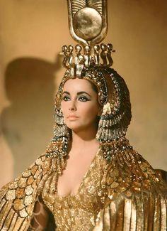"""Elizabeth Taylor in """"Cleopatra"""" (1963)."""