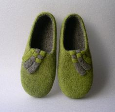 Handmade felted slippers / wool shoes / gift for women / eco friendly / non slippery soles.