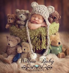 Items similar to READY Baby Hat - Baby Bear Hat - Baby Boy Hat - Baby Girl Hat- 3 Color Choices Earflaps & Ties with pom pom's on Etsy Baby Girl Hats, Girl With Hat, Newborn Pictures, Baby Pictures, Baby Images, Baby Shooting, Foto Baby, Baby Kind, Handmade Baby