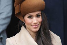 Meghan Markle ha appena indossato gli stivali perfetti al suo primo Royal Christmas. Voto mille (e Kate rosica)