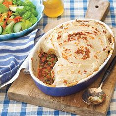Comfort Food: Shepherd's Pie ....I saw this on food network and it sounds like an awesome idea for thanksgiving leftovers!