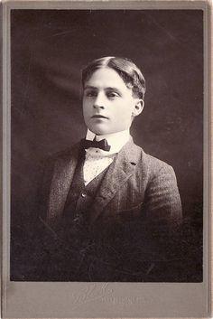 1900's edwardian man