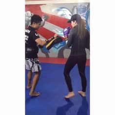 This girl is trying to be fighting fit @sarahlahbati