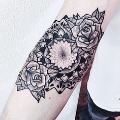 Black Lines Mandala Tattoo Black Line Tattoo, Line Tattoos, Mandala Rose, Mandala Tattoo, Tatting, Image, Ideas, Bobbin Lace, Needle Tatting