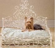 Antique Scroll Pet Bed