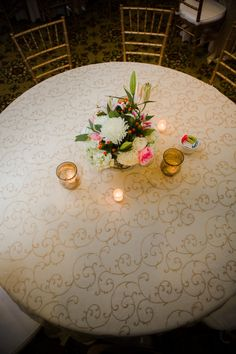 Fancy Linens with a Fresh Flower Centerpiece | Heather & Matt Wedding | Woodland Fields Photography
