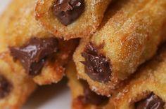 Você precisa destes churros recheados com creme de avelã e chocolate