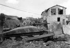 Tank M4 Dozer dozer blade M1 from the 16th Engineer Battalion, 1st Armored Division, U.S. Gotha line in North Italii.