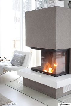 Moderni omakotitalo - Interior pictures from member - StyleRoom… Modern Fireplace, Fireplace Design, Modern Loft, Glass House, Scandinavian Interior, House Rooms, Home Fashion, Home Remodeling, Home Furnishings