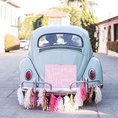 #justmarried #love #myforever #itsallinthedetails #weddingdetails #brideandgroom #bridestory #weddingday #specialday #vintagecar #instagood http://gelinshop.com/ipost/1519994775464572657/?code=BUYGzHsA_bx