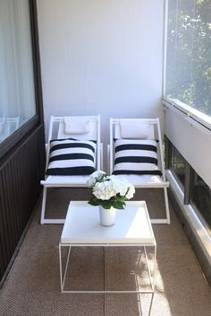 Awesome Patio Apartment Ideas Give a comfortable look and arm to your balcony by adding sofas, a small coffee table, and a wooden themed wall. Condo Living, Decor, Hay Tray Table White, Interior, Balcony Decor, Home Decor, Home Staging, Home Deco, Outdoor Furniture Sets
