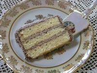 Vynikajúce orechové rezy so žĺtkovou polevou | Mimibazar.sk Nutella, French Toast, Breakfast, Food, Basket, Morning Coffee, Essen, Meals, Yemek