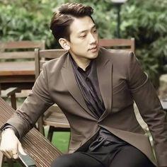 Rain [Jung Ji Hoon] [Bi] |