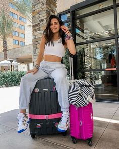 Sabina- Now United Skate Girl, Bailey May, Foto Instagram, Cute Poses, My Little Baby, Drama Queens, Picture Poses, Pop Group, My Girl