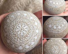 Hand geschilderde rotsen, hand geschilderde stenen, papiergewicht van rock, rock deurvanger, met de hand geschilderde mandala rock