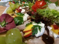 Caprese Salad, Tacos, Mexican, Ethnic Recipes, Food, Meals, Yemek, Insalata Caprese, Eten