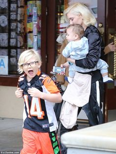 Gwen Stefani takes her boys Zuma and Apollo to lunch