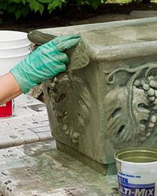 Aging a planter - I am so doing this to my concrete planters!