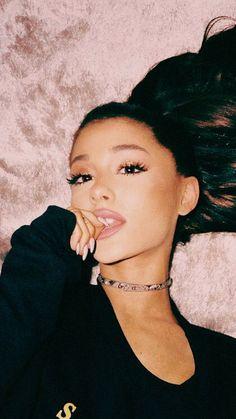 """you suck at art."" ""shut the fuck up, sienna."" PREQUEL TO ""dive"" // … Ariana Grande Fotos, Ariana Grande Nails, Ariana Grande Cute, Ariana Grande Photoshoot, Ariana Grande Outfits, Ariana Grande Pictures, Divas, Ariana Instagram, Rapper"
