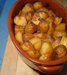 Portuguese Recipes, Roasted Potatoes, Other Recipes, Meals For One, Potato Recipes, Finger Foods, Food To Make, Side Dishes, Easy Meals