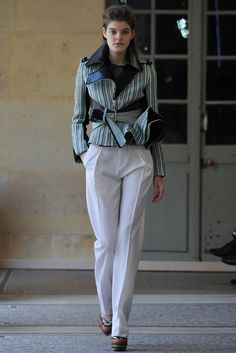 Bouchra Jarrar Fall 2014 Couture Fashion Show - Kia Low (Next) Haute Couture Looks, Haute Couture Fashion, Couture Style, Love Fashion, Fashion Show, Fashion Outfits, Runway Fashion, Nyc Fashion, High Fashion