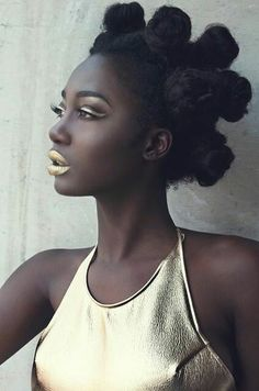gold lip bantu knots spring summer fashion inspiration for dark skinned women Afro Punk, Dark Beauty, Beauty Skin, Lola Chuil, Curly Hair Styles, Natural Hair Styles, Natural Black Hair, Pelo Afro, Pelo Natural