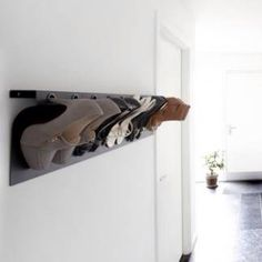 Ladies! This high heel organizer fits everywhere, even in a tiny room. It can be seen <3