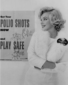 Marilyn for the March of Dimes in 1958 -- 'Get Your Polio Shots!' Marilyn for the March of Dimes in 1958 -- 'Get Your Polio Shots! Marylin Monroe, Marilyn Monroe Photos, Marilyn Monroe Haircut, Marilyn Monroe Movies, Joe Dimaggio, Robert Mapplethorpe, Annie Leibovitz, Rita Hayworth, Richard Avedon